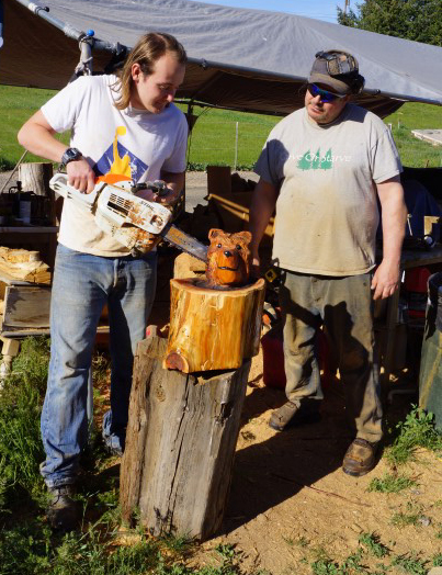 Chainsaw carving school